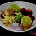 Broccoli Strawberry Salad with Apple Cider Vinaigrette